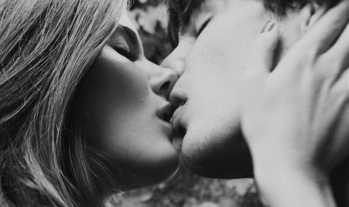 картинки как они целуются легко просто воспользовавшись