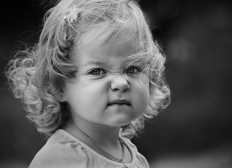 Демотиватор лицо девочки